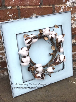 Cute Spring Decor With Wreath