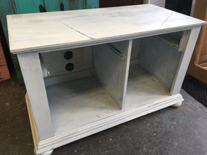 One TV Stand, Two Looks!