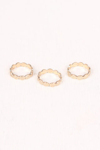 Scalloped Textured Ring Set