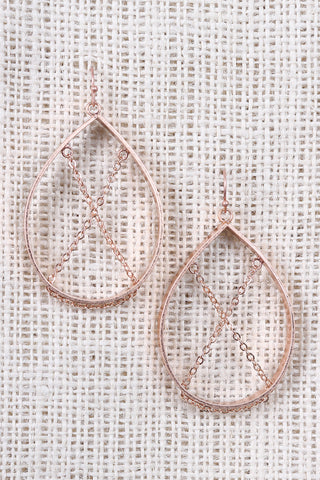 Pear Frame Crisscross Chain Earrings