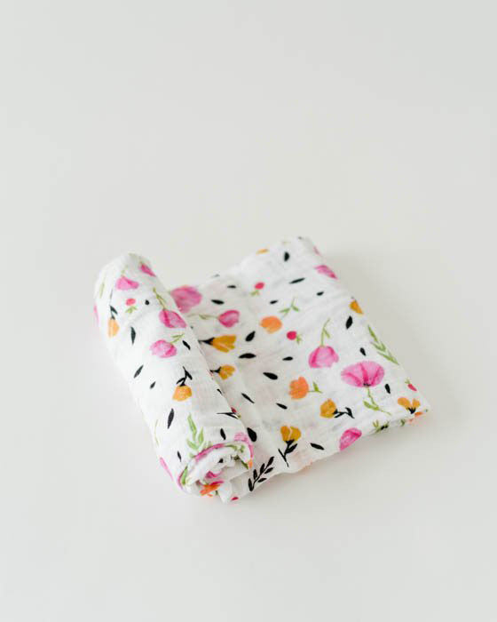 Berry & Bloom Swaddle - DOT.KIDZ