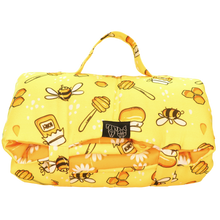 On The Go Pet Mat Bee-Hiving Daisies