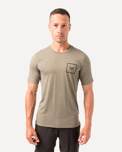 SHIELD TEE IN OLIVE
