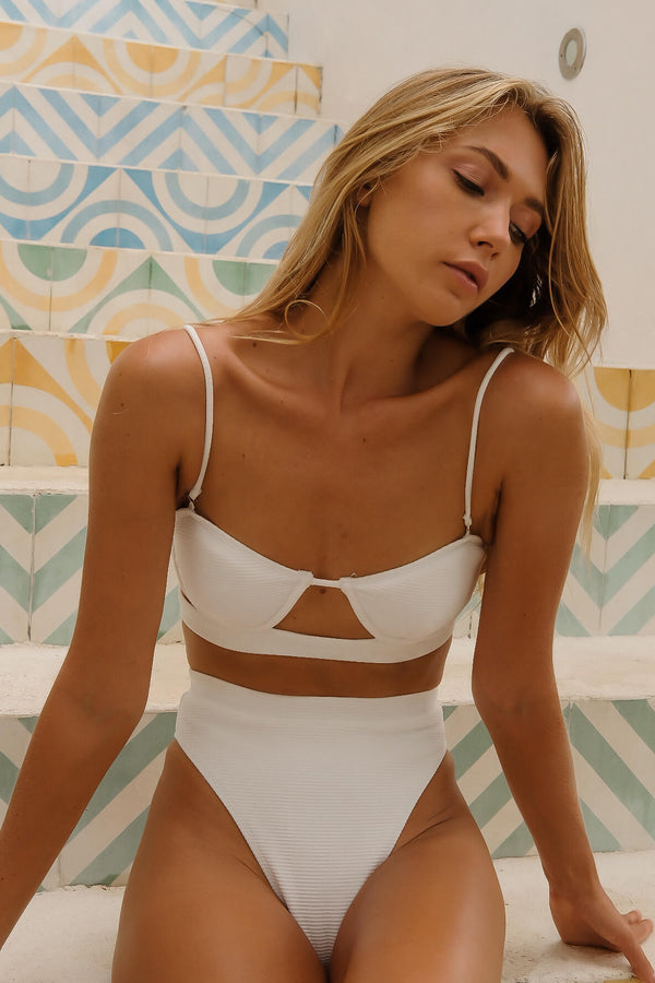 white bikini, high waisted bikini, high wasited swimsuit, white high waisted bikini, sustainableswimwear,