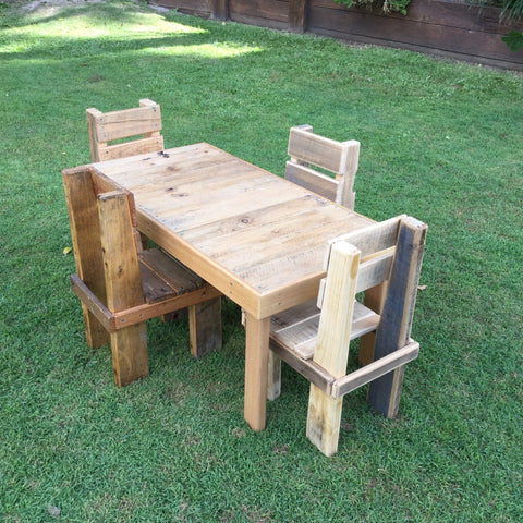 Small Pallet Table and 4 Chairs