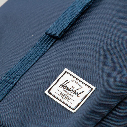 Thompson Backpack in NAVYHERSCHEL SUPPLY CO. - CACTWS