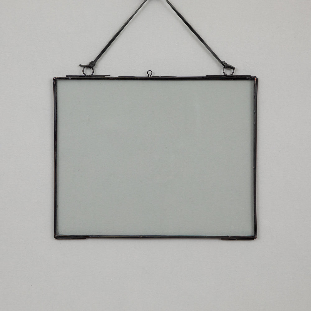 Hanging Glass Photo Frame in BLACK (25cm x 20cm)