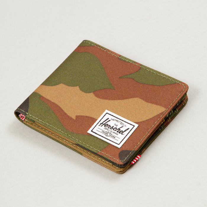 Roy + Wallet in WOODLAND CAMOHERSCHEL SUPPLY CO. - CACTWS