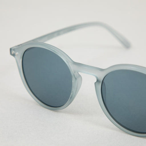 IZIPIZI #D The Iconic Sunglasses in FROSTED BLUE
