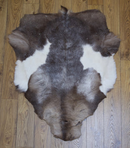 Hanlin Medium Light Spotted Reindeer Hide (1)