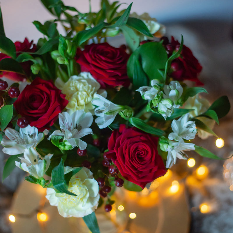 The Vela Christmas Letterbox Bouquet