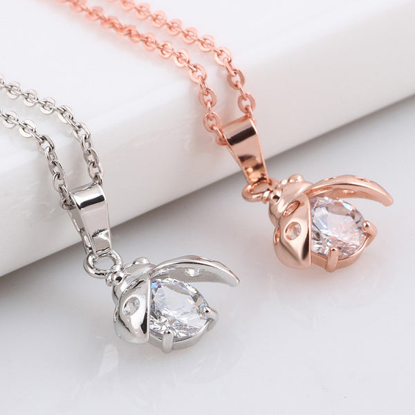 Shuyani Cute White Crystal Bee Pendant Necklace for Women Fashion