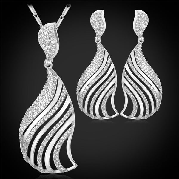 Hollow Fan-Shaped Earrings Necklace