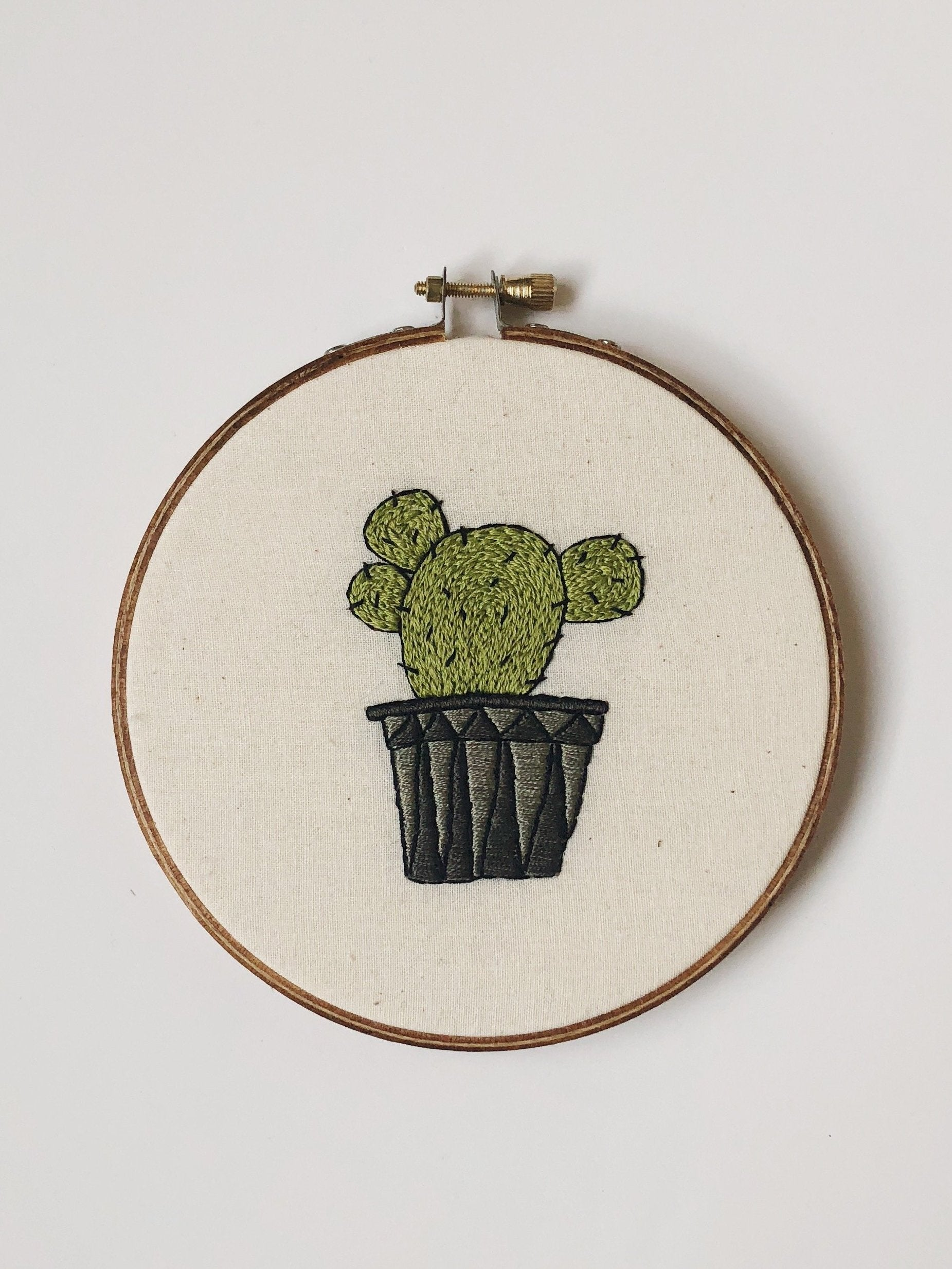 Short Cactus Do-It-Yourself Embroidery Kit