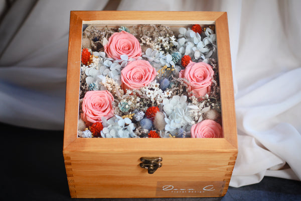Oriental Dream (Preserved and dried flowers)