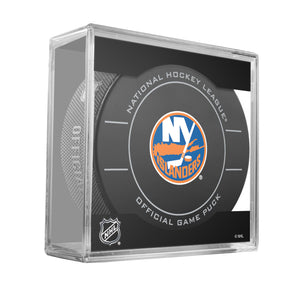 New York Islanders Official Game Puck (2009 to 2011)
