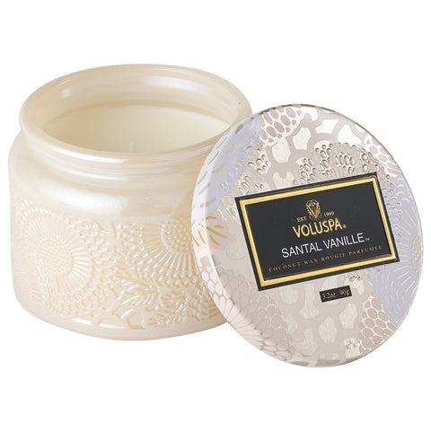 Petite Embossed Jar Candle with Lid in Santal Vanille
