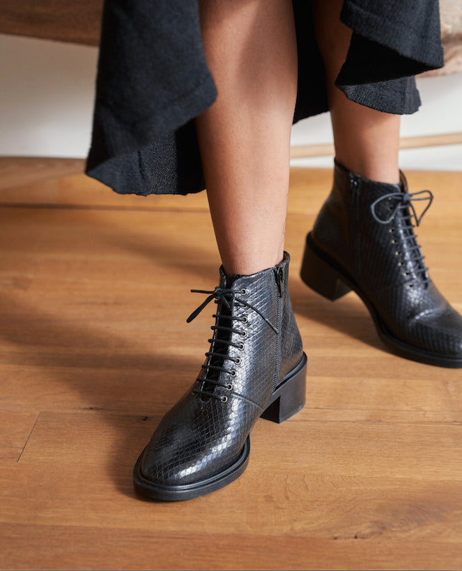Utano Boot in Black Leather