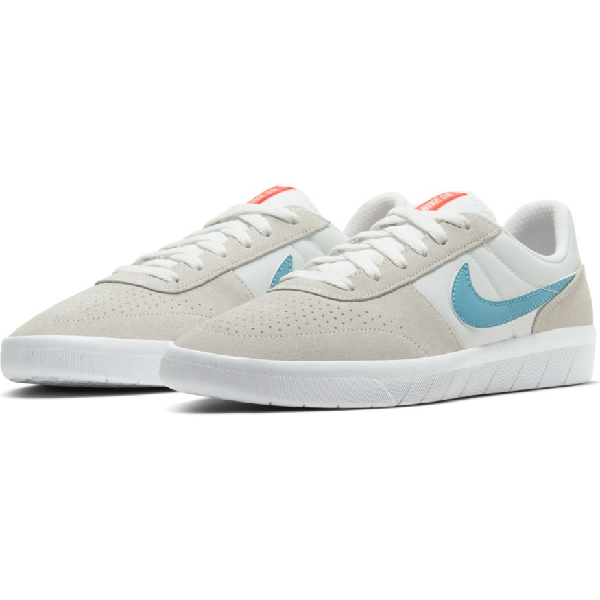 Nike SB Team Classic - Summit White/Cerulean-White