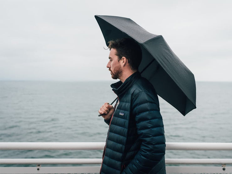 Hedgehog carbon fiber umbrella, black, lifestyle