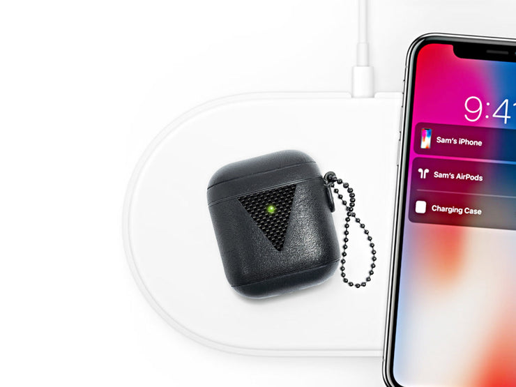 HoverPod NAPA Leather with Carbon Fiber Airpods Case, charging