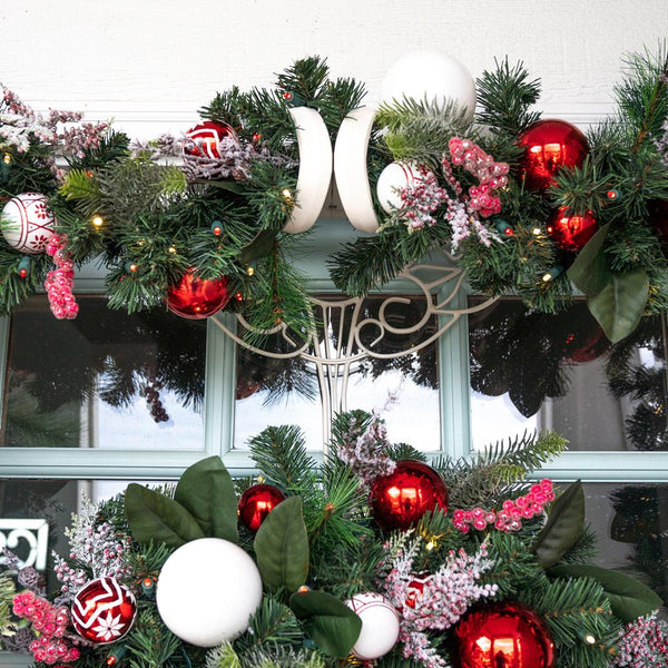 Nordic Red and White Garland - 9'