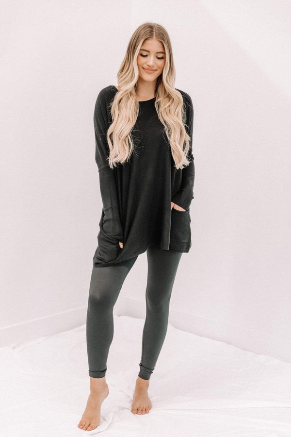 Black Oversized Pocket Top Lane 201