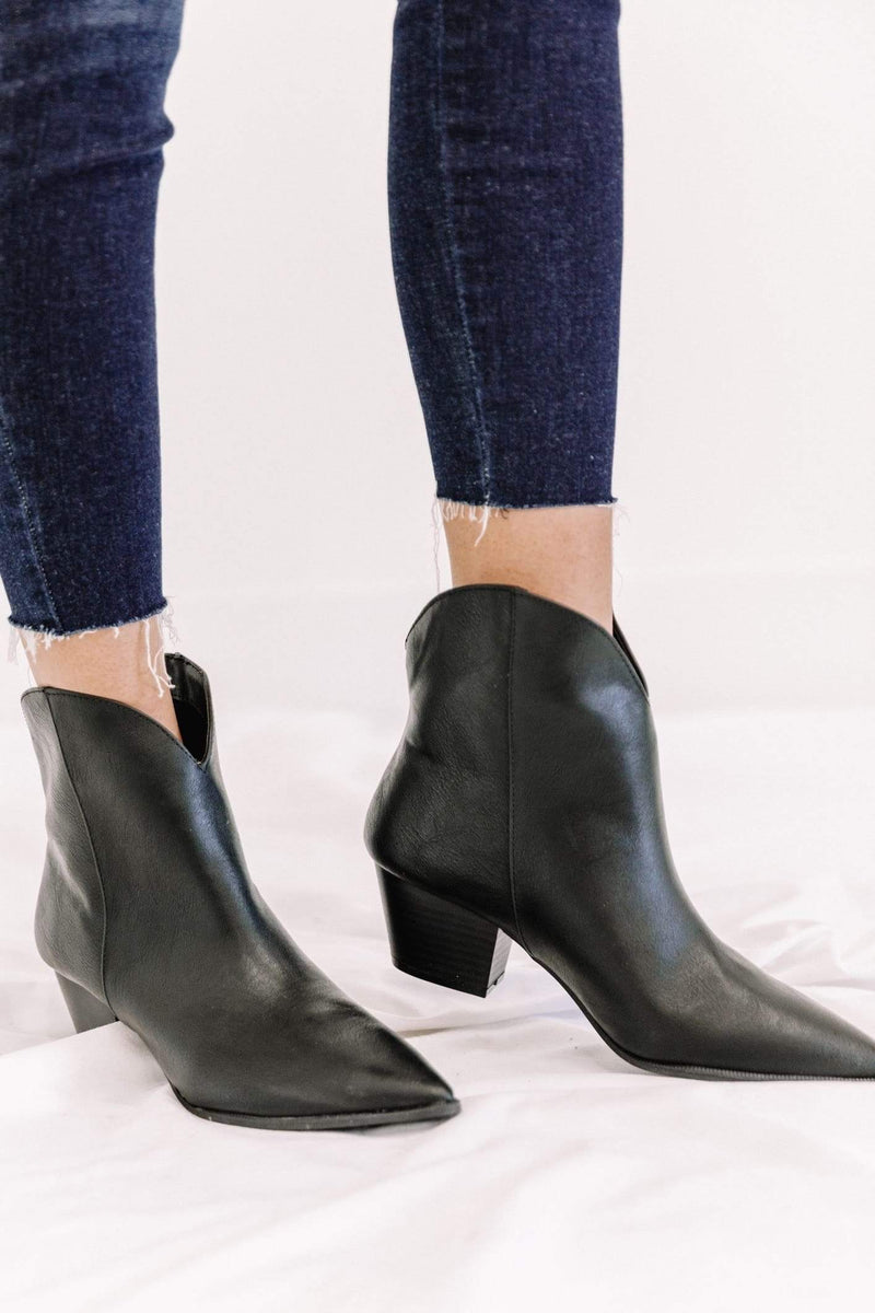 Black Pointed Western Bootie Lane 201