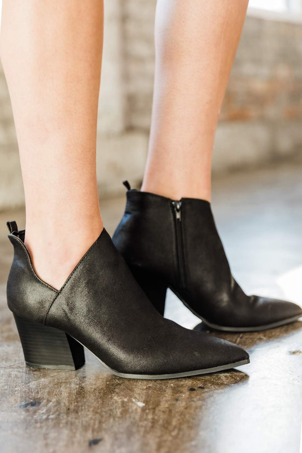 Black Side Cutout Bootie Lane 201