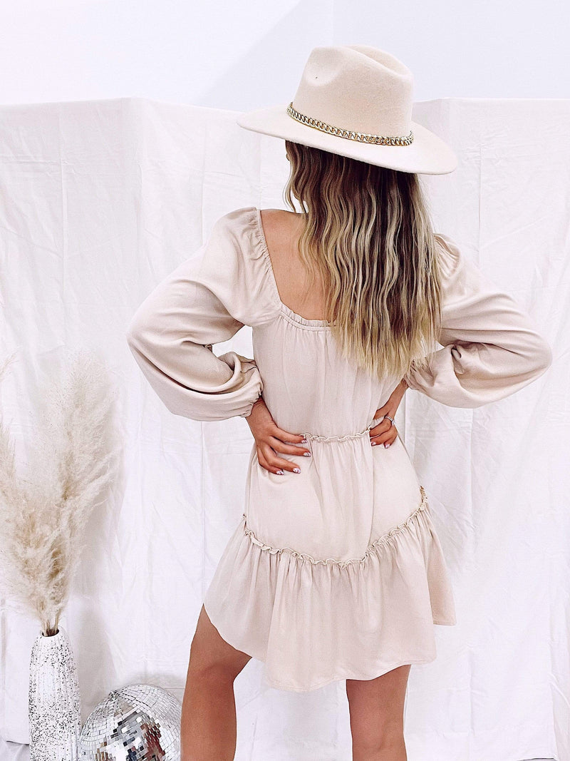 Taupe long sleeve tiered dress Le Lis