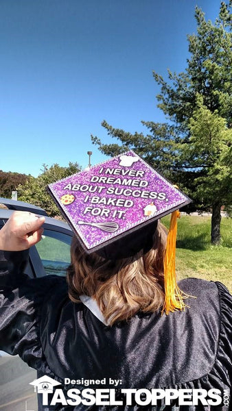 14 Best Graduation Cap Ideas For Your Future Career Tassel Toppers
