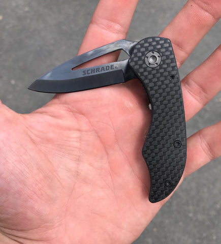 Carbon Fiber Folder with Blade Cutout