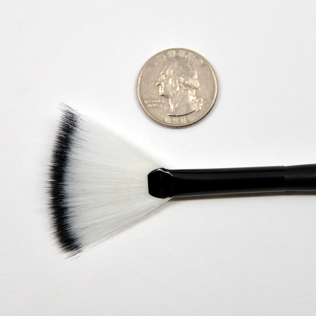 Kleancolor Fan Brush
