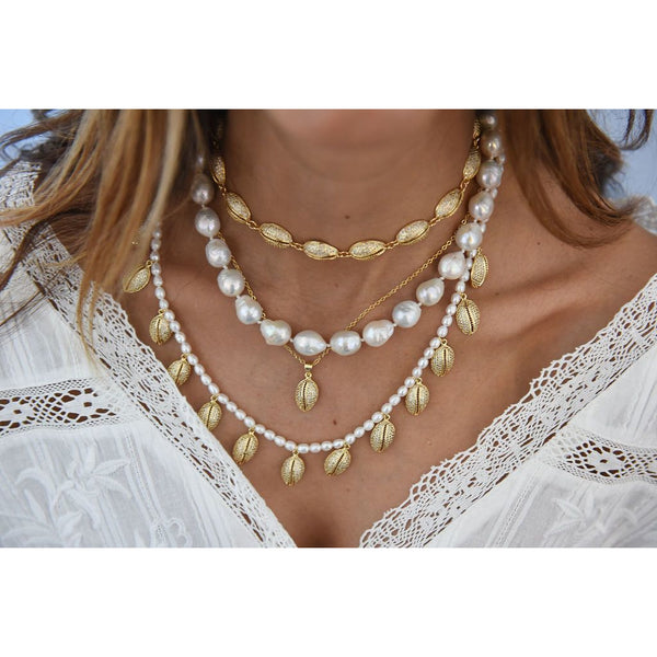 Tulum Shell and Pearl Necklace
