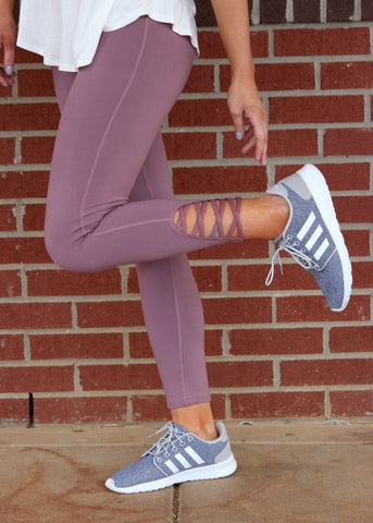 run the world criss cross leggings - mauve