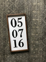 anniversary date sign