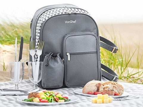 fully equipped picnic backpack