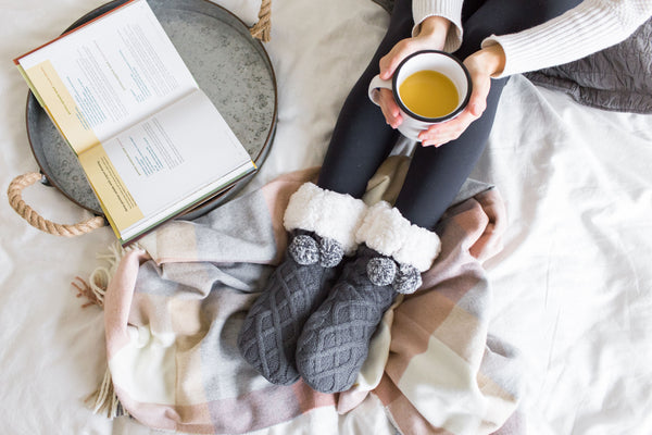 Pudus Slipper Socks - Reading in Bed
