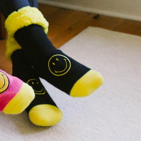 Smiley® x Pudus Classic Slipper Socks | Black