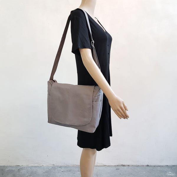 Canvas Messenger 009 - Gray
