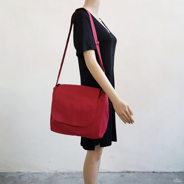 Canvas Messenger 009 - Red