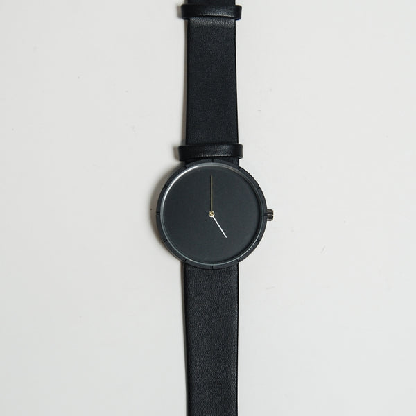 Minimal Two - Black x Gold
