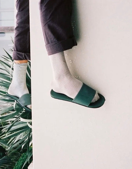 Essentials Slide Mens Leaf