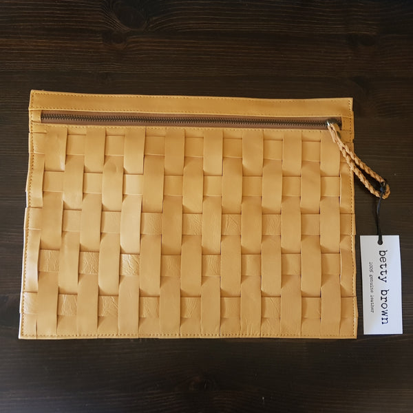 Anne Clutch Light Tan