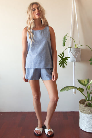 BARE FLARE SHORT BLUE STRIPE LINEN