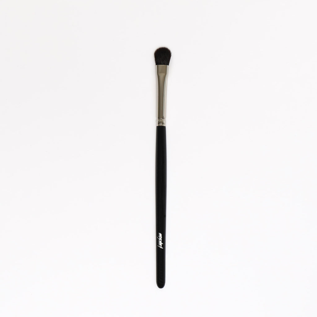 Soft Blending Fan Shaped Eyeshadow Brush