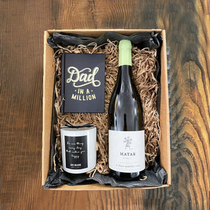 Gift box 6 - Dad gift - candle + book + red wine