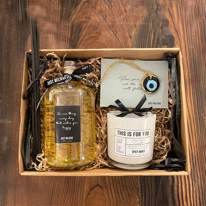 Gift box 8 - Candle + diffuser + eye decor
