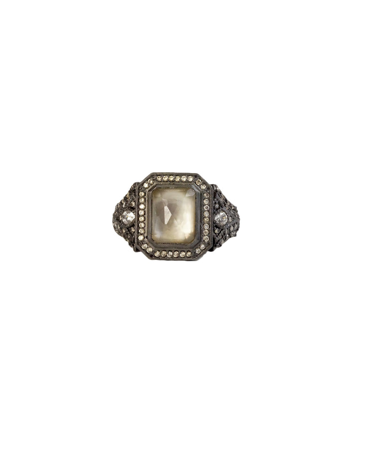 Ring with smoky quartz/mother-of-pearl center