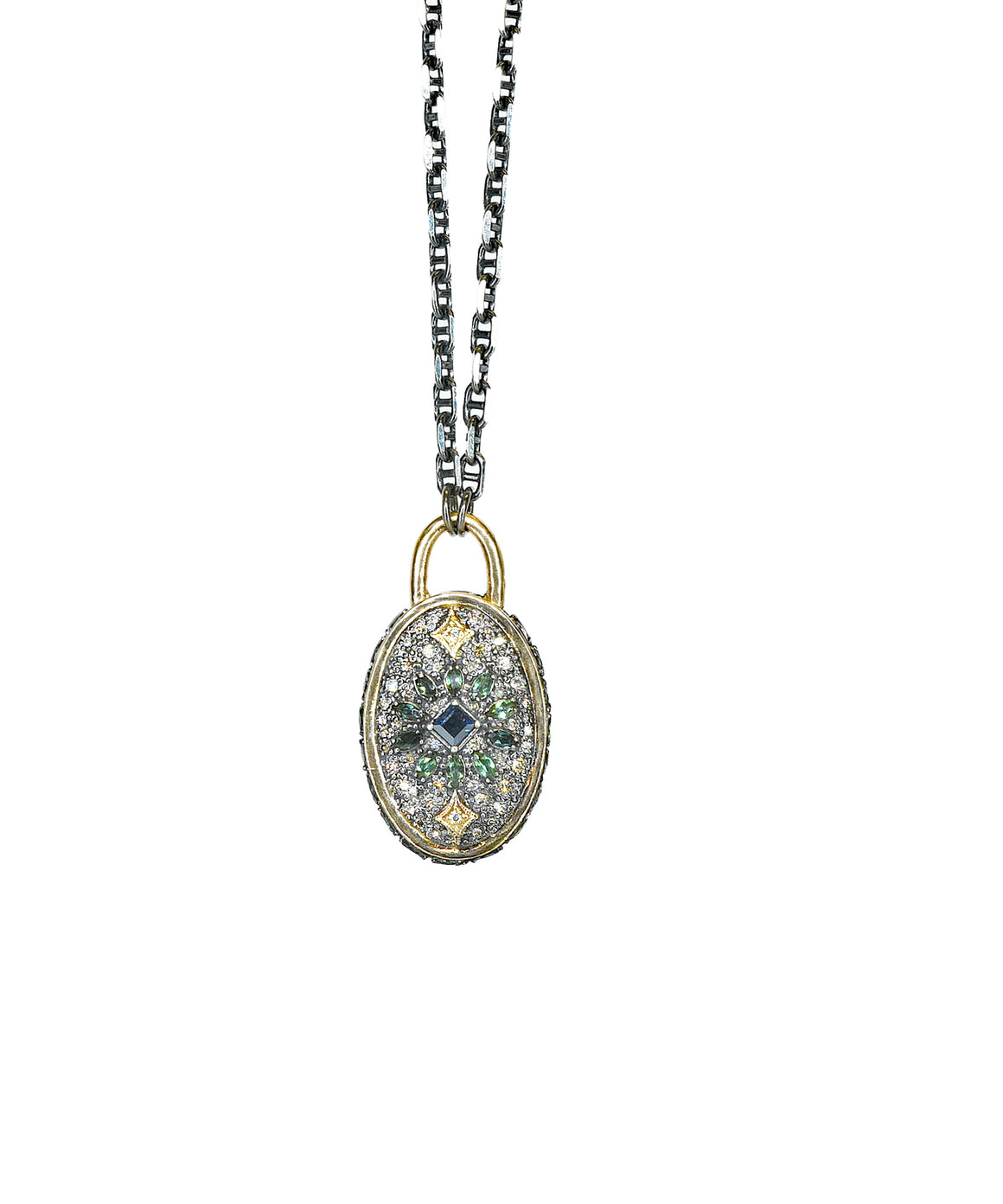 Oval Cuento necklace